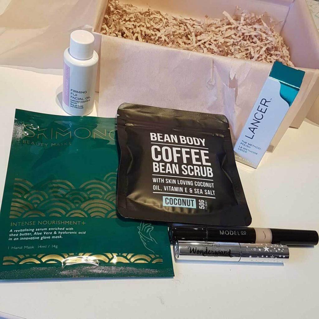 Look Fantastic beauty box - October 2017