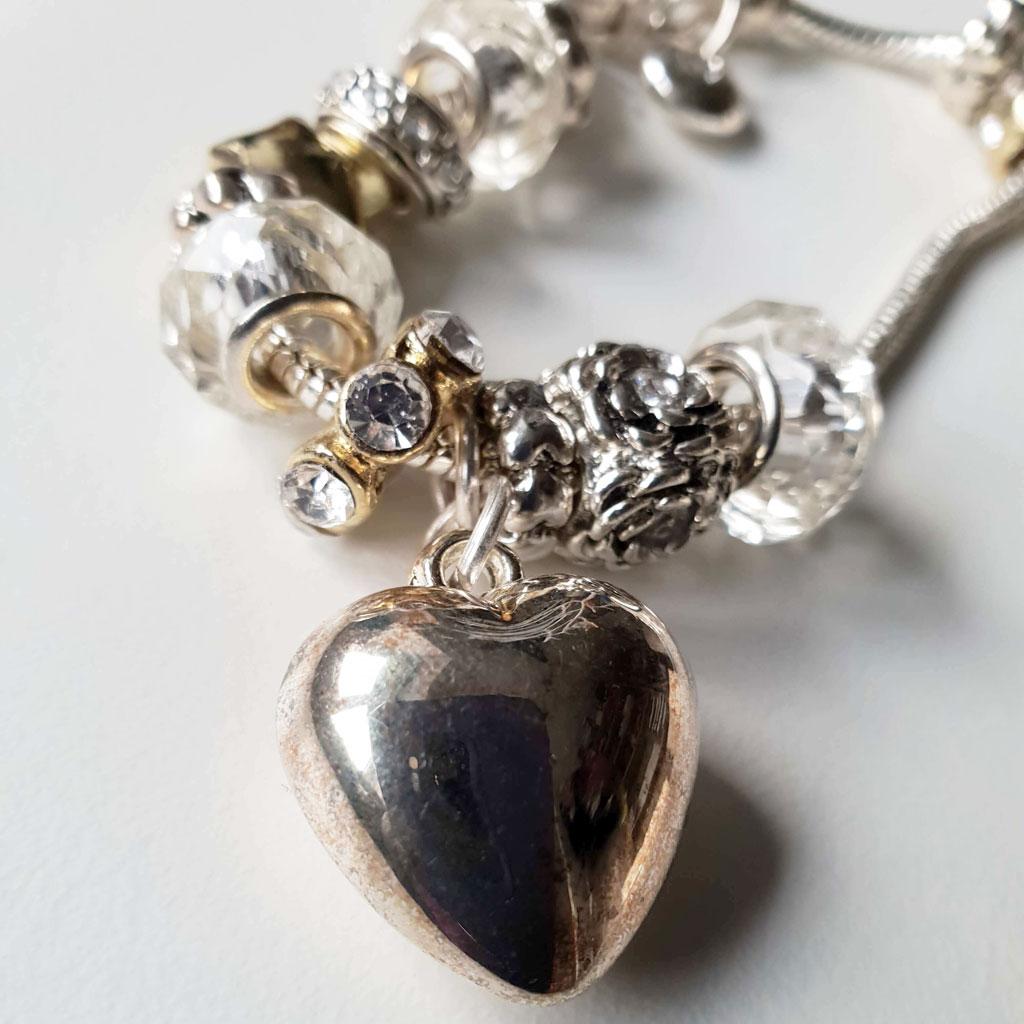 Discoloured heart